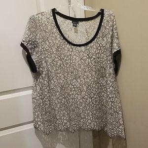 Torrid size 4 plus size lace shirt